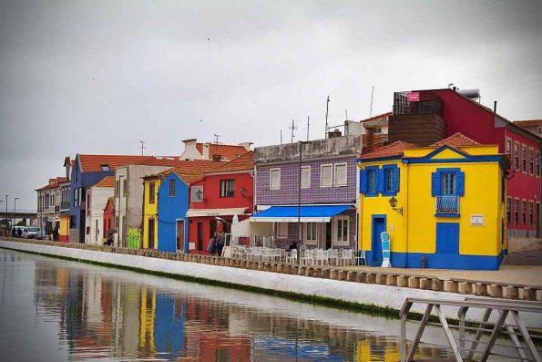 Dessiner à Aveiro sur la côte Portugaise croquis aquarelle gouache